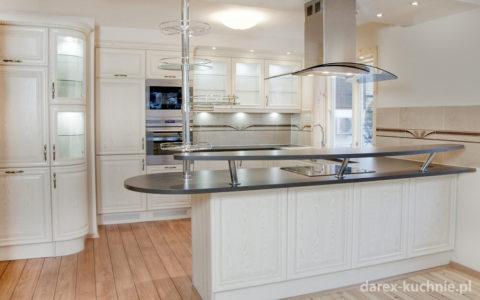 Wygodna kuchnia dla całej rodziny - jak ją urządzić?